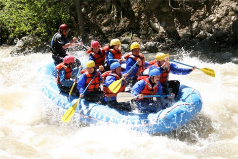 water_rafting_in_montana_river